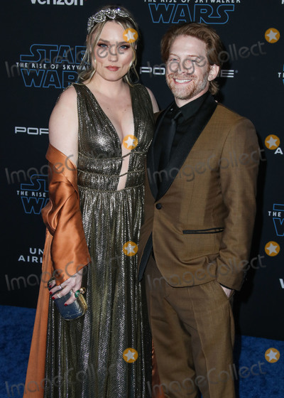Clare Grant Photo - HOLLYWOOD LOS ANGELES CALIFORNIA USA - DECEMBER 16 Clare Grant and Seth Green arrive at the World Premiere Of Disneys Star Wars The Rise Of Skywalker held at the El Capitan Theatre on December 16 2019 in Hollywood Los Angeles California United States (Photo by Xavier CollinImage Press Agency)