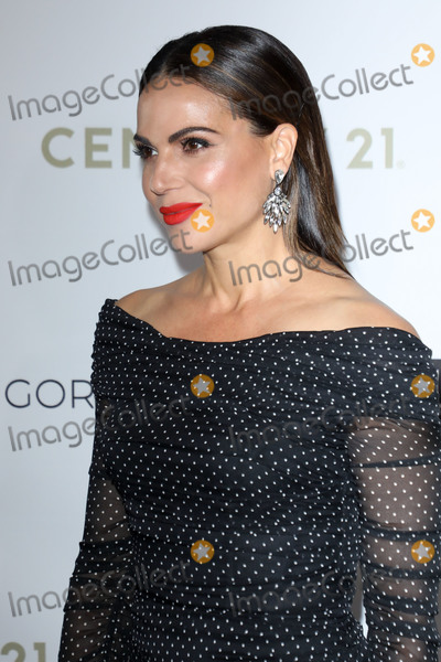 The Four Seasons Photo - BEVERLY HILLS LOS ANGELES CALIFORNIA USA - NOVEMBER 15 Lana Parrilla arrives at the Eva Longoria Foundation Dinner Gala 2019 held at the Four Seasons Los Angeles at Beverly Hills on November 15 2019 in Beverly Hills Los Angeles California United States (Photo by Image Press Agency)