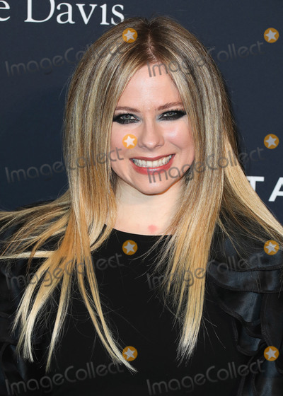 Avril Lavigne Photo - BEVERLY HILLS LOS ANGELES CALIFORNIA USA - JANUARY 25 Avril Lavigne arrives at The Recording Academy And Clive Davis 2020 Pre-GRAMMY Gala held at The Beverly Hilton Hotel on January 25 2020 in Beverly Hills Los Angeles California United States (Photo by Xavier CollinImage Press Agency)
