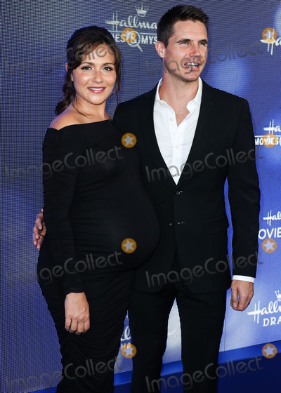 Amel Photo - BEVERLY HILLS LOS ANGELES CALIFORNIA USA - JULY 26 Italia Ricci and Robbie Amell arrive at the Hallmark Channel And Hallmark Movies And Mysteries Summer 2019 TCA Press Tour Event held at a Private Residence on July 26 2019 in Beverly Hills Los Angeles California United States (Photo by Xavier CollinImage Press Agency)