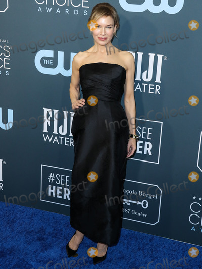 Jimmy Choo Photo - SANTA MONICA LOS ANGELES CALIFORNIA USA - JANUARY 12 Actress Renee Zellweger wearing a Dior Haute Couture dress David Webb jewelry and Jimmy Choo shoes arrives at the 25th Annual Critics Choice Awards held at the Barker Hangar on January 12 2020 in Santa Monica Los Angeles California United States (Photo by Xavier CollinImage Press Agency)