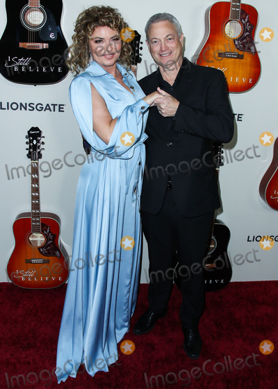 Gary Sinise Photo - HOLLYWOOD LOS ANGELES CALIFORNIA USA - MARCH 07 Singer Shania Twain and actor Gary Sinise arrive at the Los Angeles Premiere Of Lionsgates I Still Believe held at ArcLight Cinemas Hollywood on March 7 2020 in Hollywood Los Angeles California United States (Photo by Xavier CollinImage Press Agency)