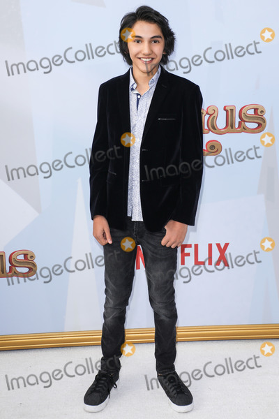 Zane Photo - WESTWOOD LOS ANGELES CALIFORNIA USA - NOVEMBER 02 Julian Zane arrives at the Los Angeles Premiere Of Netflixs Klaus held at the Regency Village Theatre on November 2 2019 in Westwood Los Angeles California United States (Photo by Image Press Agency)