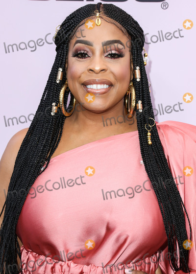 Niecy Nash Photo - BEVERLY HILLS LOS ANGELES CALIFORNIA USA - FEBRUARY 06 Niecy Nash arrives at the 2020 13th Annual ESSENCE Black Women in Hollywood Awards Luncheon held at the Beverly Wilshire A Four Seasons Hotel on February 6 2020 in Beverly Hills Los Angeles California United States (Photo by Xavier CollinImage Press Agency)