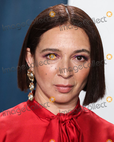 Maya Rudolph Photo - BEVERLY HILLS LOS ANGELES CALIFORNIA USA - FEBRUARY 09 Maya Rudolph arrives at the 2020 Vanity Fair Oscar Party held at the Wallis Annenberg Center for the Performing Arts on February 9 2020 in Beverly Hills Los Angeles California United States (Photo by Xavier CollinImage Press Agency)