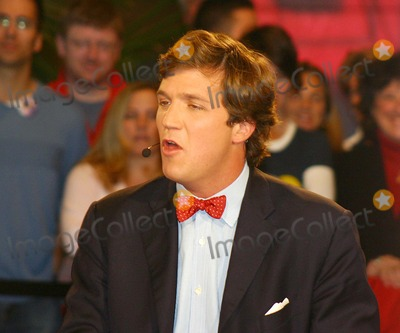 Tucker Carlson Photo - Exclusive K40231wr Taping of  Crossfire  in New York City 1122004 Photo Bywilliam ReganGlobe Photos Inc 2004 Tucker Carlson