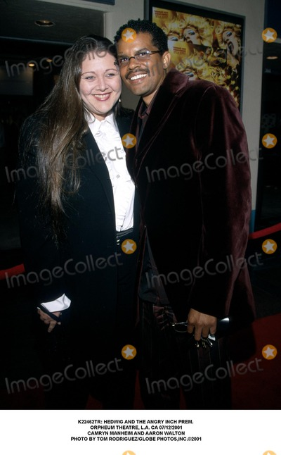 Aaron Walton Photo -  Hedwig and the Angry Inch Prem Orpheum Theatre LA CA 07122001 Camryn Manheim and Aaron Walton Photo by Tom RodriguezGlobe Photosinc
