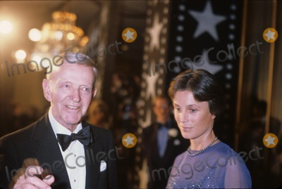 Astaire Photo - Fred Astaire with Wife Robyn Smith N3072 Supplied by Globe Photos Inc