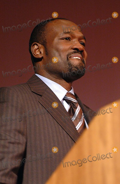 Harold Reynolds Photo - Harold Reynolds (Espn Studio Former Major League Baseball Player) K46673kr MT Sinai Hospital New Zone Dedication of New Zone For Sick Kids New York City 02-07-2006 Photo Ken Rumments-Globe Photos Inc