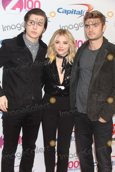 Alex Roe Photo - Nick Robinsonchloe Grace Moretzalex Roe at Z100s Jingle Ball at Madison Square Garden 12-11-2015 John BarrettGlobe Photos