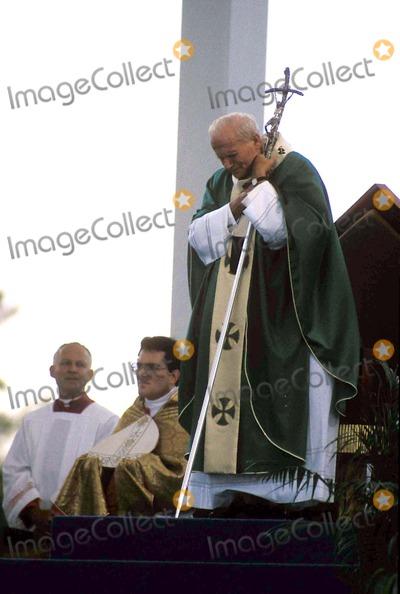 Chris Harris Photo - No Papal Visit Pope John Paul Ii Photo Bychris Harris-Globe Photos Inc
