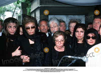As Yet Photo - IMAPRESS PH  CLEMOT  BENITOFUNERAL OF PRINCESS LEILA PAHLAVI IN PARIS 16TH JUNE 2001 IN TOTAL BEREAVEMENT THE EX-EMPRESS OF IRAN FARAH PAHLAVI BURIED HER DAUGHTER IN THE PASSY CEMETERY IN PARIS LEILA PAHLAVI 31 PASSED AWAY A WEEK AGO IN LONDON THE OFFICIAL COMMUNIQUE WRITTEN BY HER MOTHER INDICATED THAT SHE PASSED AWAY IN HER SLEEP BUT THE EXACT CIRCUMSTANCES OF THE DEACEASED REMAIN AS YET UNKNOWNPRINCESS FARAHNAZ EMPRESS FARAH PRINCESS ASHRAF AND PRINCESS YASMINECREDIT IMAPRESSCLEMOTBENITOGLOBE PHOTOS INC