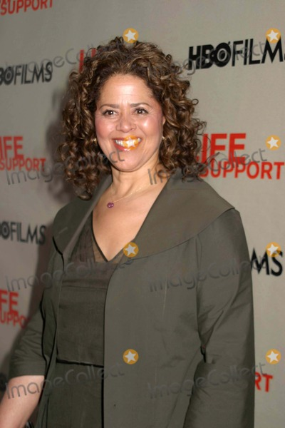 Anna  DEAVERE Smith Photo - Opening of Hbo Movie  Life Support  at Chelsea West Theater  New York Cty 03-05-2007 Photo by Paul Schmulbach-Globe Photos 2007 Anna Deavere Smith