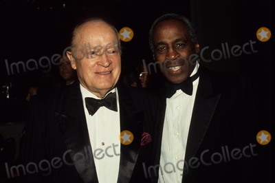 Bob Hope Photo - Robert Guillaume with Bob Hope L2970 Photo by Tom Rodriguez-Globe Photos Inc