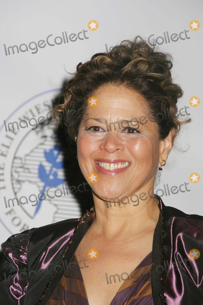 Anna  DEAVERE Smith Photo - Elie Wiesel Foundation For Humanity Award Dinner at the Waldorf Astoria Hotel  New York City 05-20-2007 Photo by Paul Schmulbach-Globe Photos Inc2007 Anna Deavere Smith