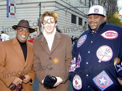 Al Roker Photo - Macysthanksgiving Day Parade NYC 112703 Al Roker Clay Aiken Ruben Studdard Photobruce CotlerGlobe Photos2003