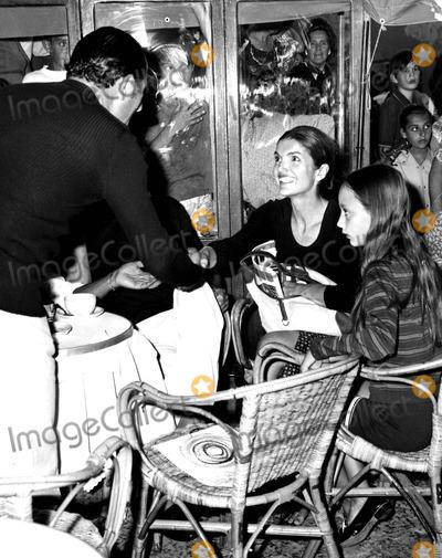 Jacqueline Kennedy Onassis Photo - Jacqueline Kennedy Onassis 1970 25859 Supplied by Globe Photos Inc