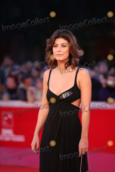Alessandra Mastronardi Photo - Alessandra Mastronardi attends the Premiere of the Restored Version of La Dolce Vita During the 5th Rome International Film Festival at Auditorium Parco Della Musica in Rome Italy on October 30th 2010 Photo Alec Michael - Globe Photos Inc 2010
