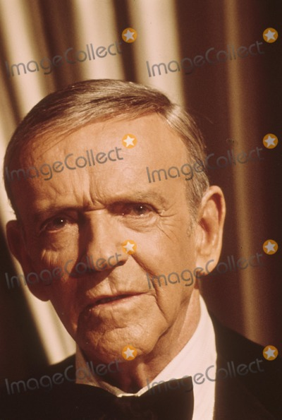 Fred Astaire Photo - Fred Astaire M3925 Photo by Orlando-Globe Photos Inc