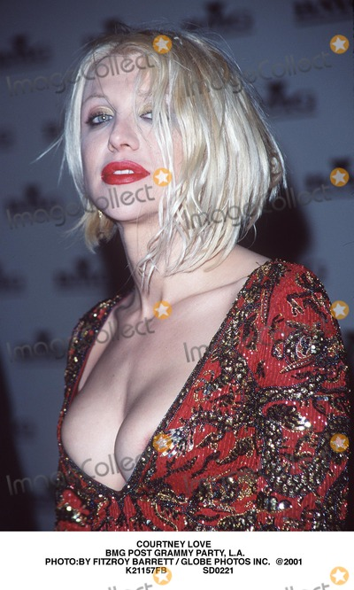 Courtney Love Photo - Courtney Love Bmg Post Grammy Party LA Photoby Fitzroy Barrett  Globe Photos Inc  2001 K21157fb