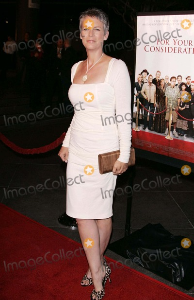 Jamie Lee Curtis Photo - Jamie Lee Curtis Premiere of For Your Consideration Directors Guild Theatre Beverly Hills CA 11-13-2006 Photo by Allstar-Globe Photos