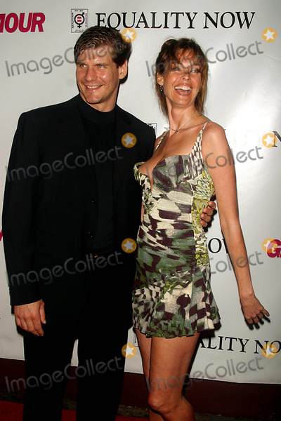 Alexi Yashin Photo - Glamour Party to Benefit Equality Now Plaid 76 East 12th Streetnew York City Photojohn Barrett  Globe Photos Inc 2003 Alexi Yashin and Carol Alt 0908