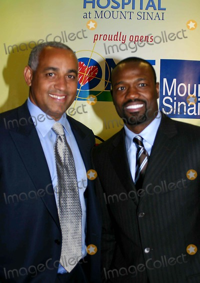 Harold Reynolds Photo - New Zone Dedication of New Zone For Sick Kids MT Sinai Hospital New York City 02-07-2006 Photo William Regan-Globe Photos Inc 2006 Harold Reynolds and Omar Manaya