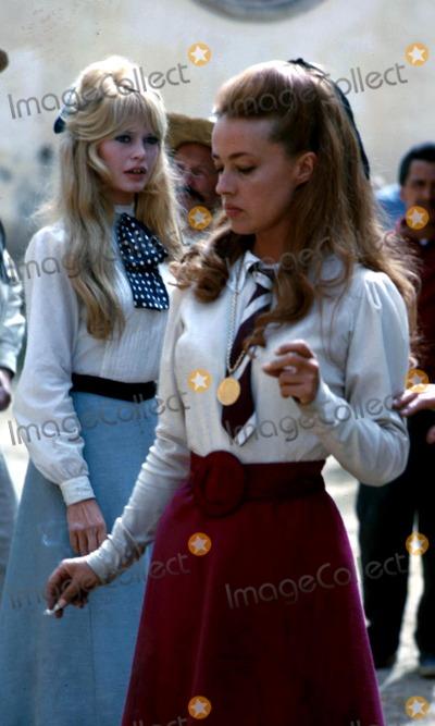 Jeanne Moreau Photo - Bridgette Bardot and Jeanne Moreau Globe Photos Inc 29693 Viva Maria