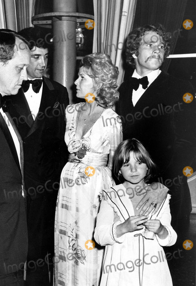Jeanne Martin Photo - Ryan Oneal with Jeanne Martin and Tatum Oneal Photo by Phil RoachipolGlobe Photos Inc