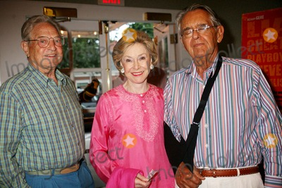 George Soros Photo - The Hunting Party Screening Ua Southampton Cinema Southampton NY August 26 08 Photos by Sonia Moskowitz Globe Photos Inc 2007 Pete Peterson Joan Ganz Cooney George Soros