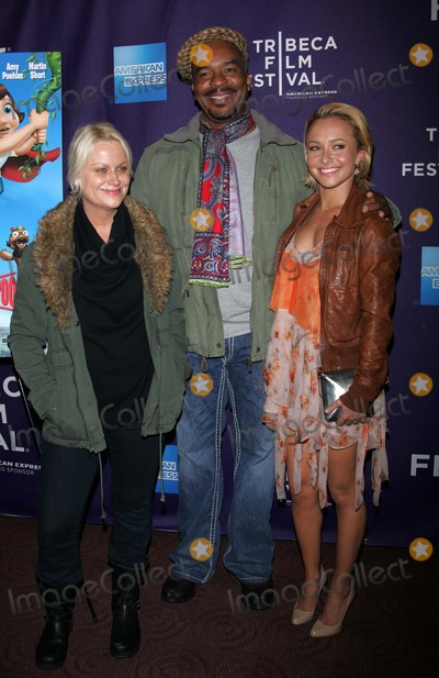 AMY POHLER Photo - Amy Pohler David Alan Grier and Hayden Panettiere Arrives For the Tribeca Film Festival Premiere of Hoodwinked Too at the Chelsea Clearview Cinemas in New York on April 23 2011 Photo by Sharon NeetlesGlobe Photos Inc