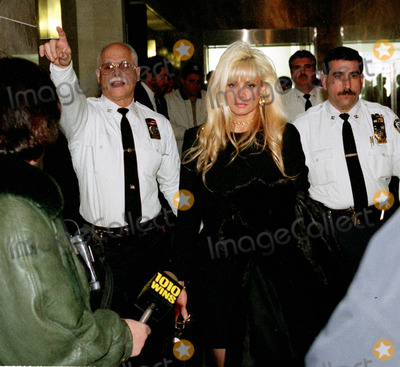 John Gotti Photo - 020100_Queens New York_Victoria Gotti Agnello daughter of jailed crime boss John Gotti  wife of alledged Gambino capo Carmine Agnello leaves Supreme Court in Kew Gardens after bail hearing to release her husband  who was being held  on a charge of of enterprise racketeering  with a 2 million  dollar bail (PhotoNeil Schneider)CREDIT NEIL SCHNEIDERGLOBE PHOTOS INC