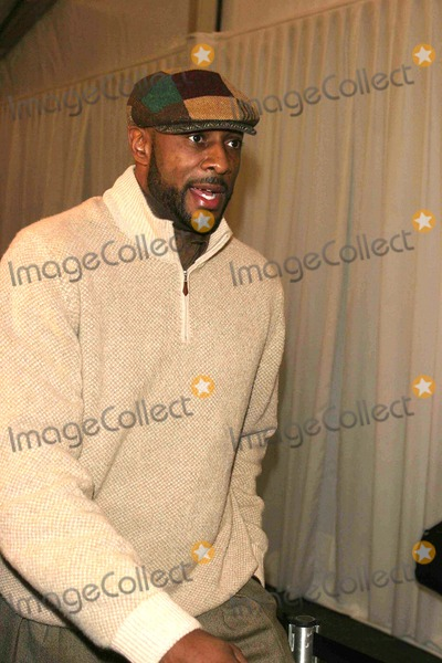 Alonzo Mourning Photo - Olympus Fashion Week Fall 2006 -Celebrities Arriving at Baby Phat Fashion Collection Bryant Park New York City 02-03-2006 Photo by John Barrett-Globe Phtos Inc 2006 Alonzo Mourning