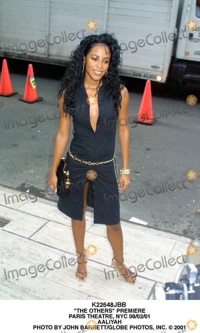 Aaliyah Photo - the Others Premiere Paris Theatre NYC 080201 Aaliyah Photo by John BarrettGlobe Photos Inc