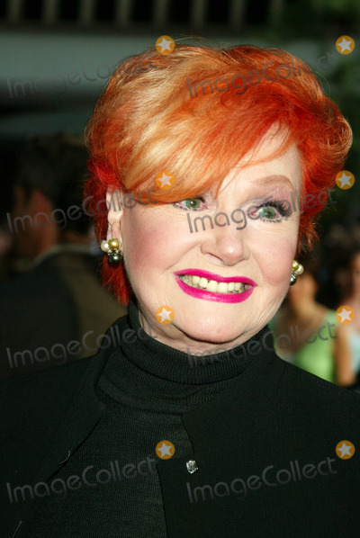 Anne Robinson Photo - Us Premiere of  War of the Worlds  at the Ziegfeld Theatre  New York City 6-23-2005 Photo Bysonia Moskowitz-Globe Photos Inc 2005 Ann Robinson