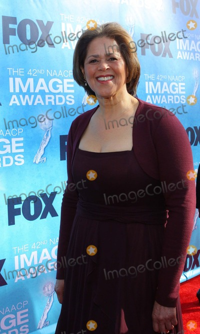 Anna  DEAVERE Smith Photo - Anna Deavere Smith the 42nd Naacp Image Awards - Red Carpet Held at the Shrine Auditoriumlos Angelesca March 4 - 2011 photo Tleopoldglobephotos
