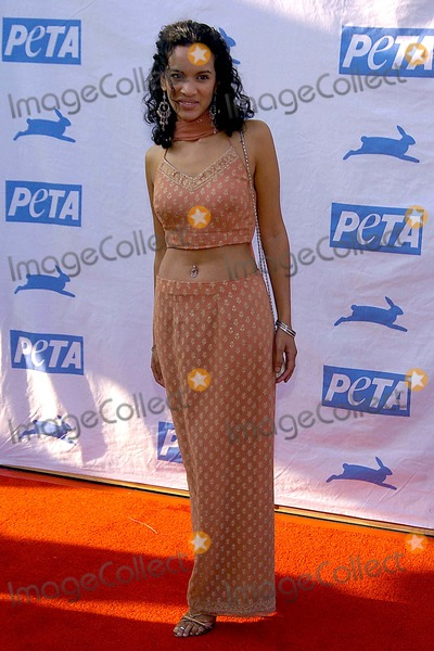 Anoushka Shankar Photo - Petas 25th Anniversary Gala and Humanitarian Awards Show Paramount Pictures Hollywood CA 09-10-05 Photodavid Longendyke-Globe Photos Inc 2005 Anoushka Shankar
