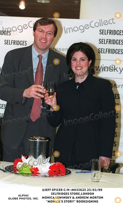 Monica Lewinsky Photo - 0399 Selfridges Storelondon Monica Lewinsky  Andrew Morton monicas Story Book Signing