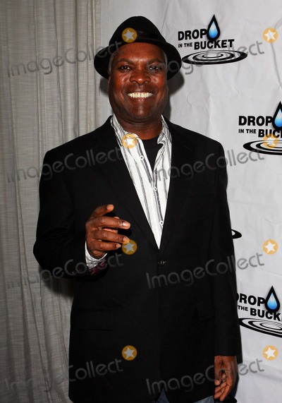 Booker T Photo - Booker T Jones a Drop in the Bucket Causecast Fundraiser Held at the Viceroy Hote Los Angeles 10-19-2010 PhototleopoldGlobephotos