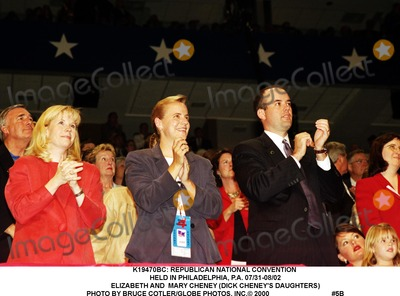 MARY CHENEY Photo -  Republican National Convention Held in Philadelphia PA 0731-0802 Elizabeth and Mary Cheney (Dick Cheneys Daughters) Photo by Bruce CotlerGlobe Photos Inc 2000