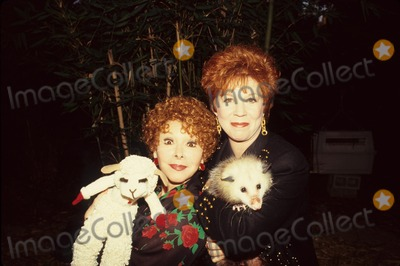 Vicki Lawrence Photo - Shari Lewis with Lamb Chop and Vicki Lawrence Photo by Bob V Noble-Globe Photos Inc