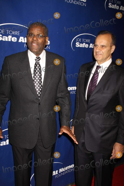 Bob Gibson Photo - Bob Gibsonjoe Torre at Joe Torre Safe at Home Foundation Gala to Help End the Cycle of Domestic Violence at Chelsea Piers W23st 11-10-2011 Photo by John BarrettGlobe Photos Inc