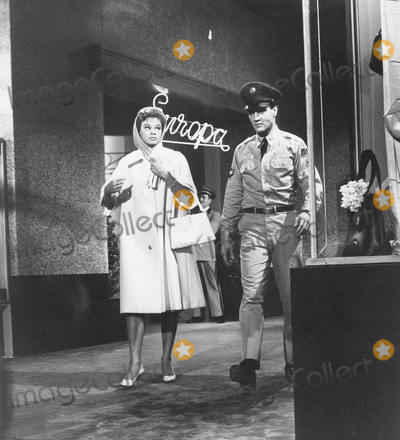Juliet Prowse Photo - Juliet Prowse with Elvis presleyg I blues1960supplied by Globe Photos Inc