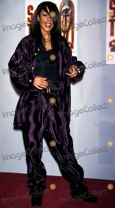 Aaliyah Photo - Soul Train Awards in LA Aaliyah Photo Byfitzroy BarrettGlobe Photos Inc