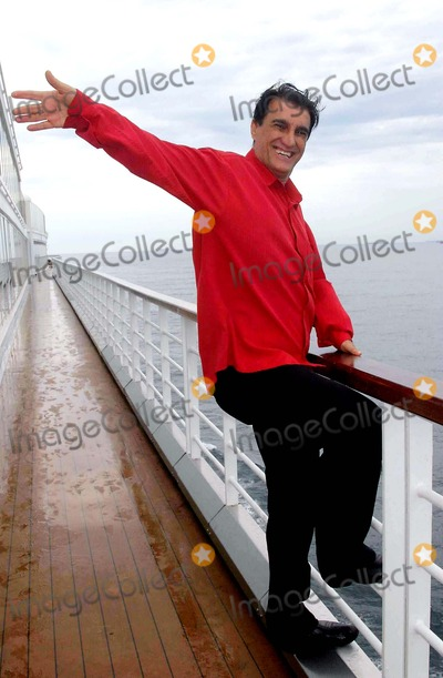 Amine Photo - K4678720060212 Costa Victoria Cruise - Roberto Carlos press conference at Costa Victoria Cruise Brazilian singer felt embarassed when someone asked if he considers sex fundamental to the Human Being 02-12-2006Amin KhaderPHOTO Cleomir TavaresCITYFILESGLOBE PHOTOS INC 2006
