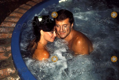 Lyle Waggoner Photo - Lyle Waggoner an Wife Sharon 1976 Photo by Steven SchatzbergGlobe Photos Inc