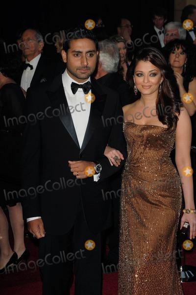 Abhishek Bachchan Photo - Abhishek Bachchan Aishwarya Rai Bachchan 83rd Annual Academy Awards (Arrivals) Held at the Kodak Theatrelos Angelesca February 27 - 2011 photo D Long - Globe Photos Inc 2011