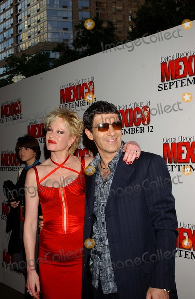 Melanie Griffith Photo - 703 Loews Lincoln Square NYC Once Upon a Time in Mexico Premiere Photo by Ken BabolcsayipolGlobe Photos Inc I7942kba Antonio Banderas and Melanie Griffith