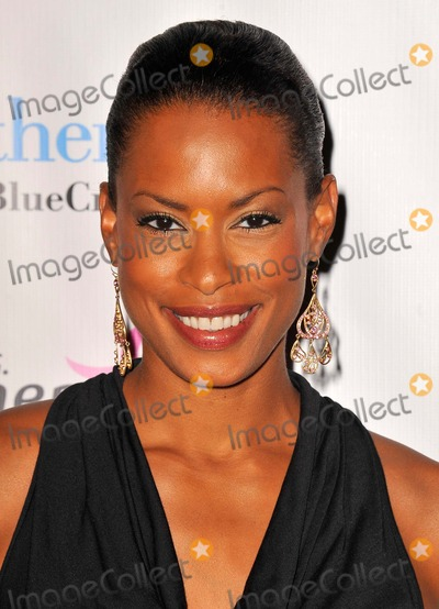 Kearran Giovanni Photo - Kearran Giovanni attending the 2nd Annual Designs For the Cure Gala Held at the Millennium Biltmore Hotel Hotel in Los Angeles California on October 13 2012 Photo by D Long- Globe Photos Inc