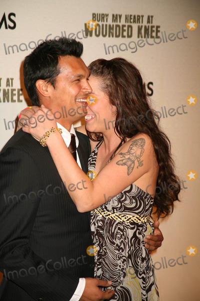 Adam Beach Photo - Bury My Heart at Wounded Knee Screening Presented by Hbo Films the Museum of Natural History New York City 05-23-2007 Photos by Sonia Moskowitz Globe Photos 200 Adam Beach and Wife Tara Mason